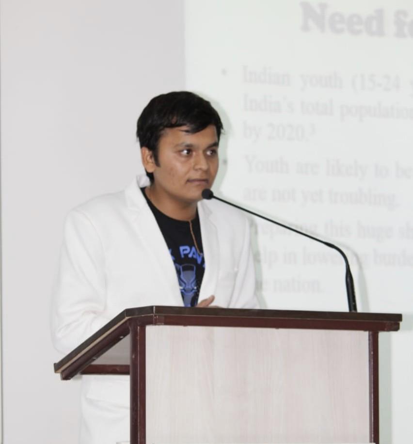 Dr Pranav Kshtriya